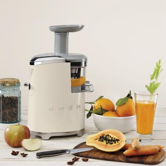 Estrattore di succo Smeg: qualità e design vintage nella tua cucina!