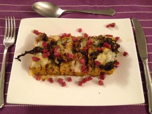 Gnocchi di polenta con verza, Branzi e salame croccante