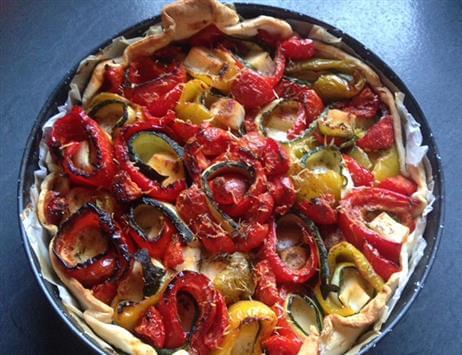Torta salata di peperoni e zucchine